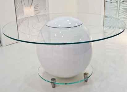 originalnyj-steklyannyj-stol-ot-stainostaino-2